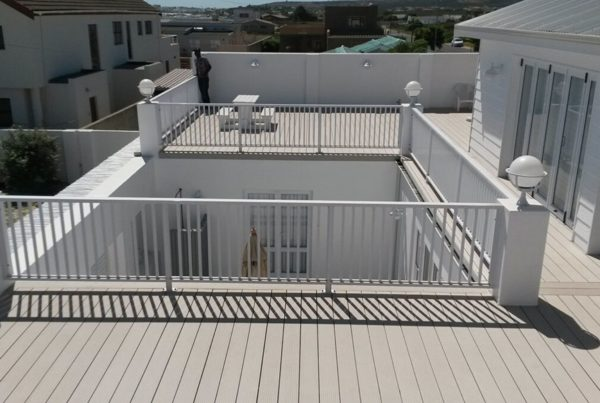 outdoor stairs balustrades